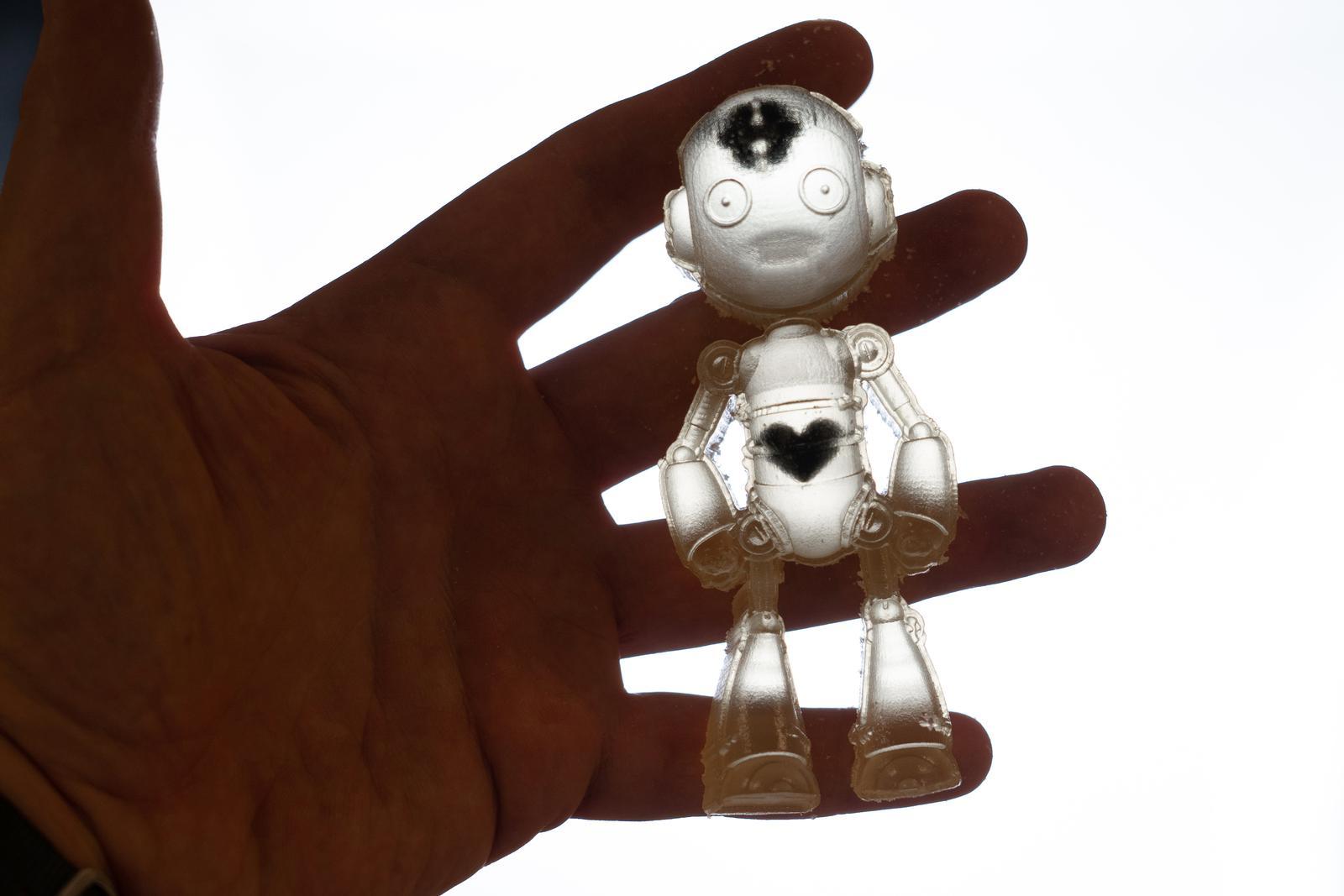 """Badacze przybliżają się do projektowania robotów, powstałych dzięki drukowi 3D """"Wstawaj i idź"""""""