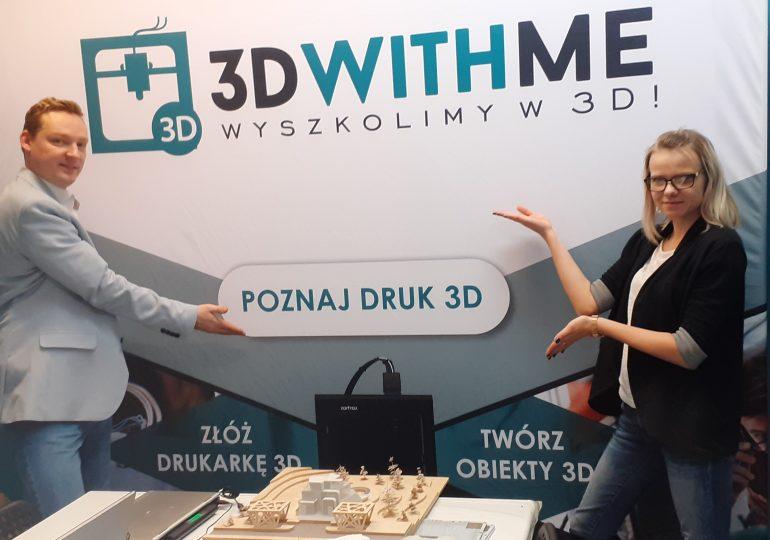 Ferie tuż tuż, a Ty nie masz jeszcze pomysłu jak zorganizować czas swojemu dziecku? Sprawdź jaką propozycję ma dla Ciebie Akademia Druku 3D