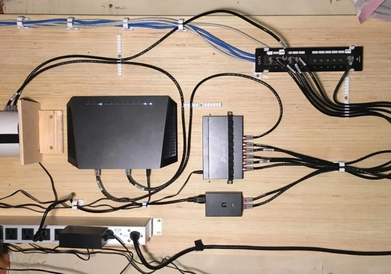 Cable Management: 15 modeli, które pomogą utrzymać porządek w IT